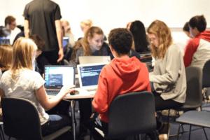 NOX Academy skapar en kreativ miljö där barn lär sig programmera 1