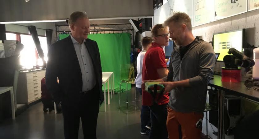 Leif Östling, ordförande i Svenskt Näringsliv besöker Lärande i Sverige för att diskutera svensk skolutveckling