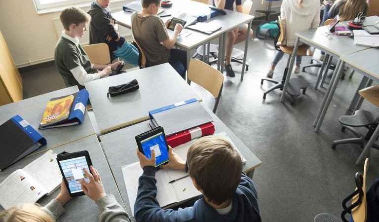 Fler lärare, lovsimskola och insatser för nyanlända – fortsatta investeringar i skolan i budgetpropositionen för 2018