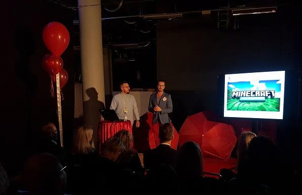 Minecraft bidrar till heldagslärande på Björkenässkolan