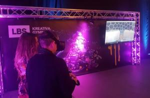 LBS Kreativa Gymnasiet satsar på VR 1
