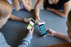 Mobilförbud mer regel än undantag i Sveriges klassrum 1