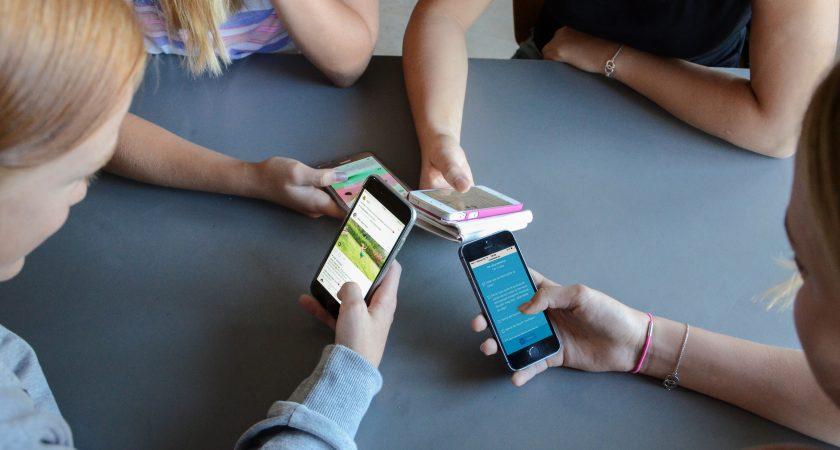 Mobilförbud mer regel än undantag i Sveriges klassrum