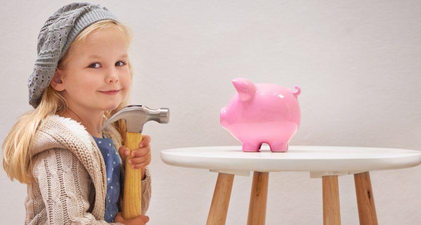 Barn får allt mer sällan chans att lära sig om ekonomi
