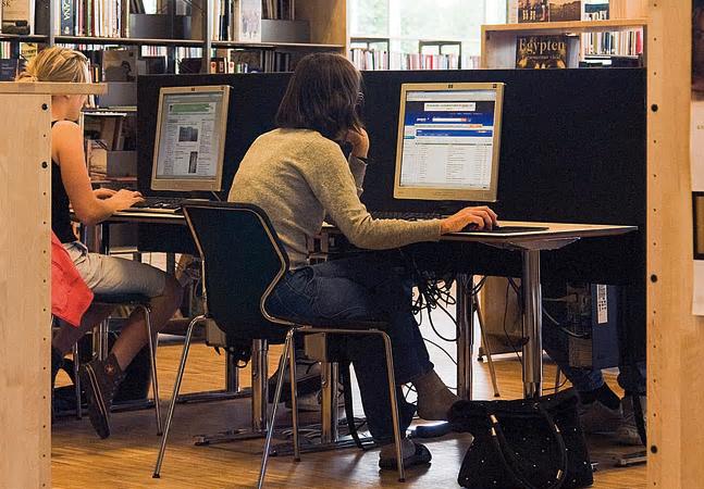 Yngre utbildar äldre för att motverka digitalt utanförskap i Sunne