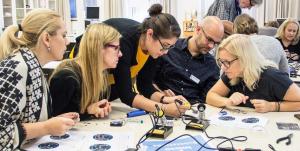 Nu gör Sveriges unga sina gymnasieval – osäkerheten ledde Mikaela till att driva en startup 10 år senare 1