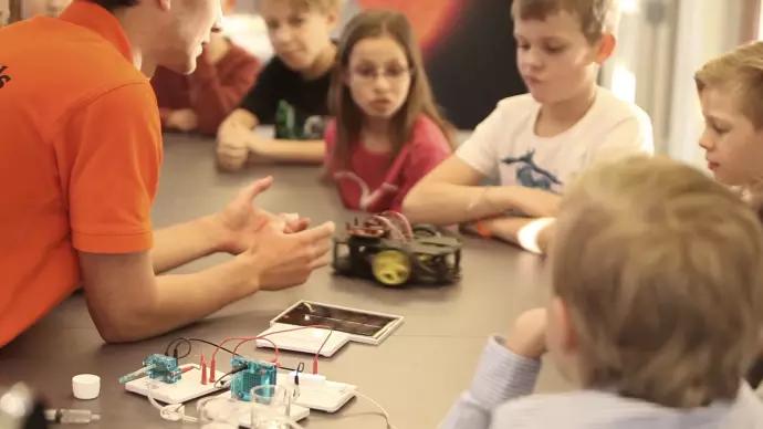 Cool Minds får stöd från Sten K Stiftelsen till vetenskapsfestivalen Big Bang Festival