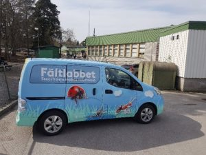 Nu är fältlabbet igång – Stockholms mobila naturskola 1