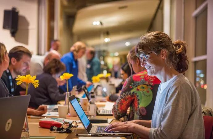 Lärare saknar utbildning i programmering – nu rycker näringslivet in