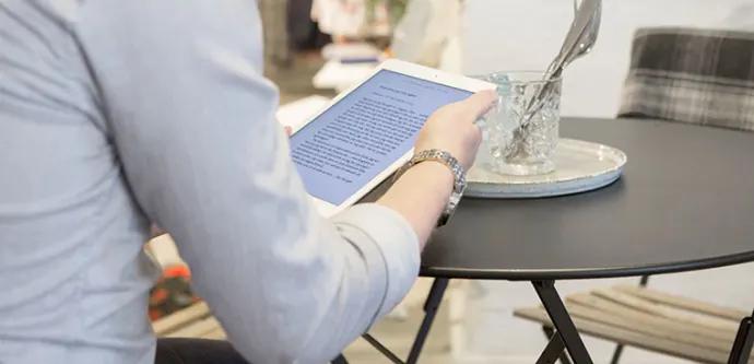 Stort engagemang eller aktivt ointresse – ny forskning om synen på e-böcker