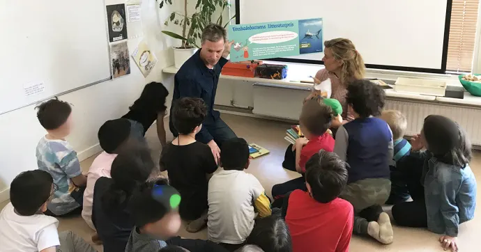 Sveriges läsambassadör och ILT Inläsningstjänst delar ut Förskolebarnens litteraturpris