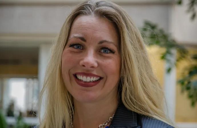 Susanne Kjällander, forskare vid Stockholms universitet, får Guldäpplejuryns särskilda pris 2019