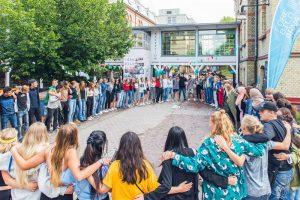 Förebildarna ger unga framtidstro med stöd från Kronprinsessparets Stiftelse 1