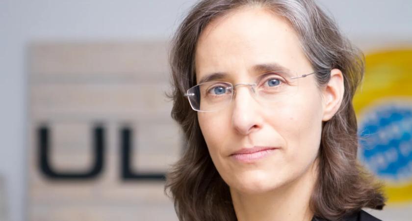 Ny hedersdoktor värnar personlig integritet inom dataområdet