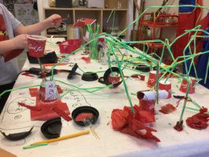 Förskolebarn bygger Corona-labb 1