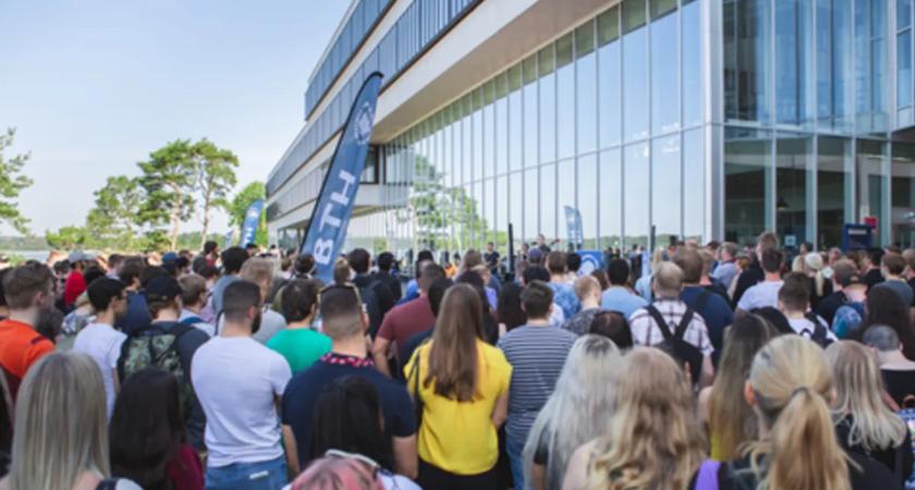Drygt 3 500 nyantagna studenter välkomnas