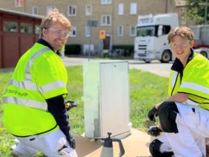 Sommarjobbare ger 4000 elskåp ett ansiktslyft med illustrationer från Göteborg 1