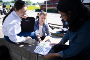 Läxhjälp ökar möjligheten till fortsatta studier för elever i Husby 1