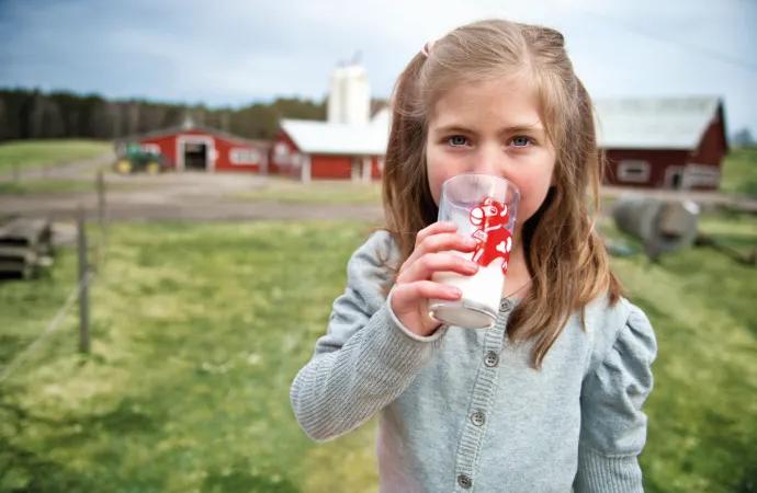Skolmjölken firar 20 år – i Sverige snart 80