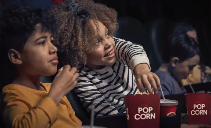 Hos Filmstaden blir höstlovet mysigt och lite rysligt