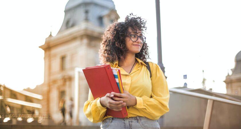 Nästan 27 000 anmälda till högskoleprovet på söndag