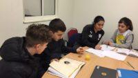 Barn och unga i Södra Ryd kombinerar studier med fotboll