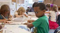 Skolor som vill ska få möjlighet att införa betyg från årskurs 4