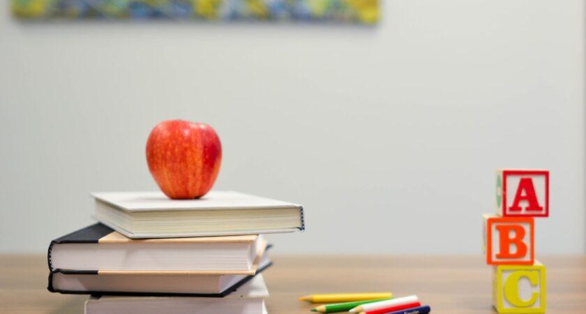 Var tredje missnöjd med inomhusklimatet i skolan visar ny undersökning från Schneider Electric