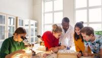 Naturhistoriska riksmuseet når ut med aktuell forskning till landets skolor i stor digital satsning