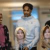 Hijabi UF säljer trendiga sjalar på Snapchat